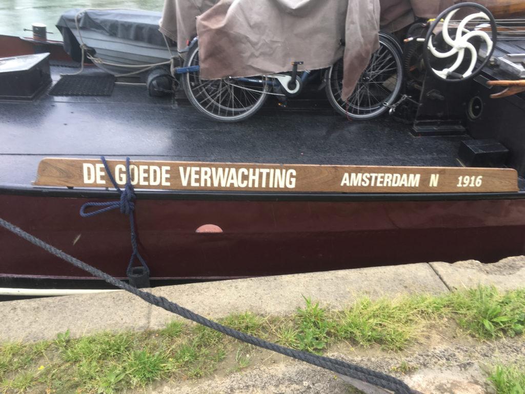 jachthaven Tournus schip aanlegplaats bourgogne schipper Nederlands goede verwachting